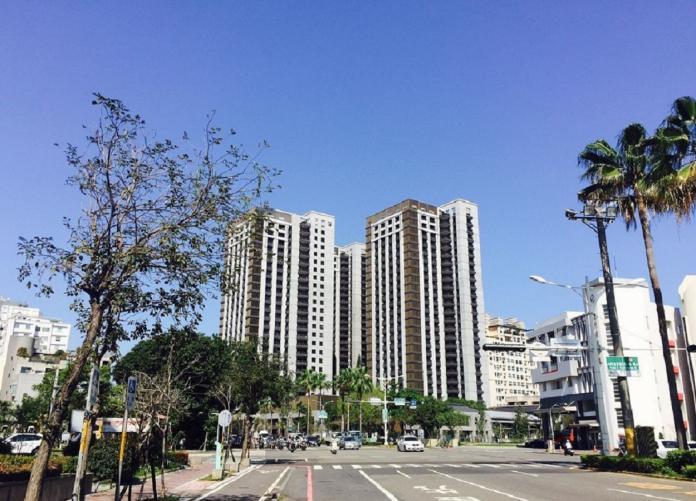 ▲台南市中西區和東區屬於黃金區段,新成屋價格飆升至3字頭。(圖/信義房屋提供)