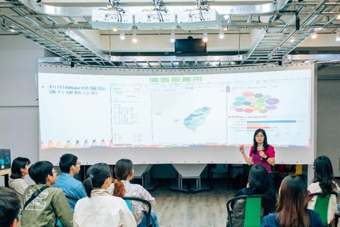 未來智慧教室 虎科「STEAM實作室」