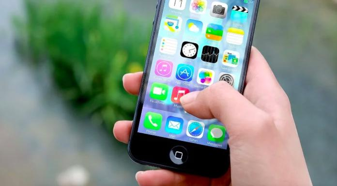 手機掉了被送警局!女大生一解鎖螢幕 警察全部安靜了