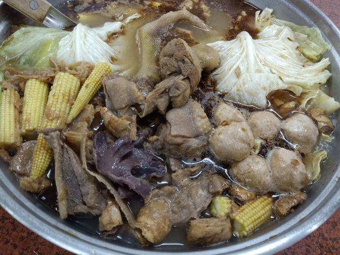 ▲薑母鴨是許多人超愛吃的冬天進補鍋物。(圖/爆廢公社)