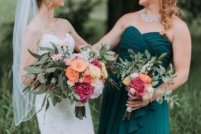 新娘要求<b>伴娘</b>「素顏出席婚禮」 一聽理由傻眼:直接絕交