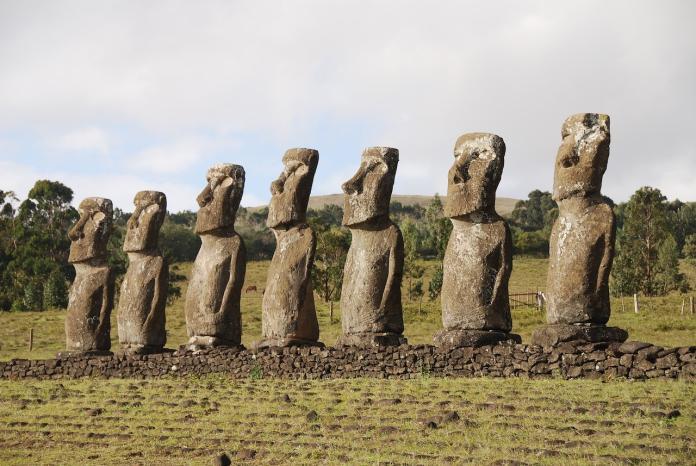 復活節摩艾石像是「巨型肥料」? 科學家新發現跌破眼鏡