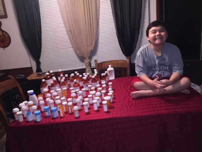▲美國 9 歲男童史蒂芬,經過 3 年多的治療,終於戰勝癌症。(圖/翻攝自 Ashley Cotter 臉書)