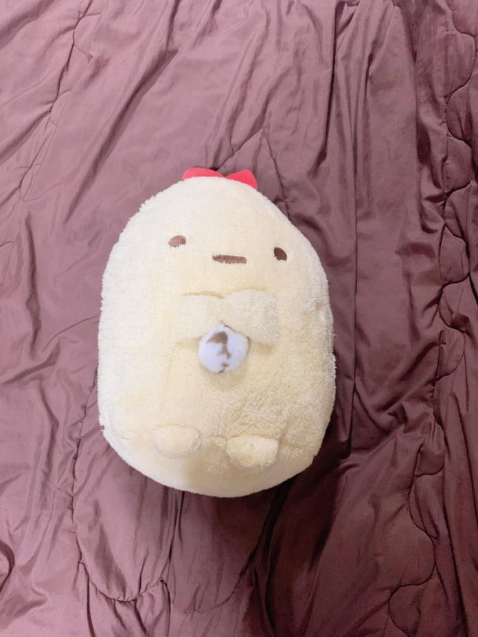 天氣冷到炸蝦娃娃長了「會呼吸的毛球」?網笑:完全無違和!
