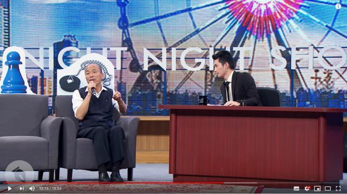 <br> ▲博恩在節目中不斷拋出辛辣問題給韓國瑜。(圖/翻攝Youtube)