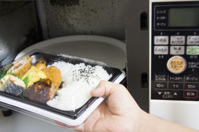 「烤箱or微波爐」選誰?網一面倒喊它:想不到不買的理由