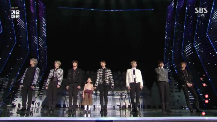 BTS牽女孩圓夢 13分鐘「聖誕組曲」溫馨送禮
