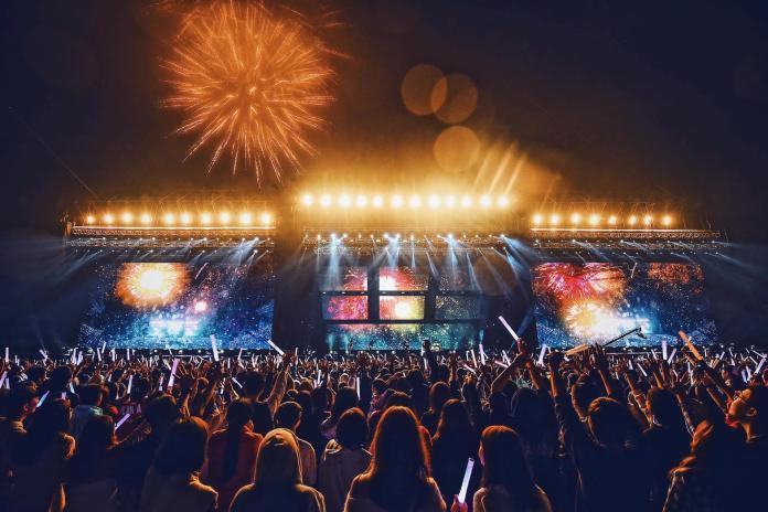 ▲亞太電信已於本週將行動基地台進駐五月天擠爆萬人的桃園演唱會,提供民眾最佳的上網體驗。(亞太提供)