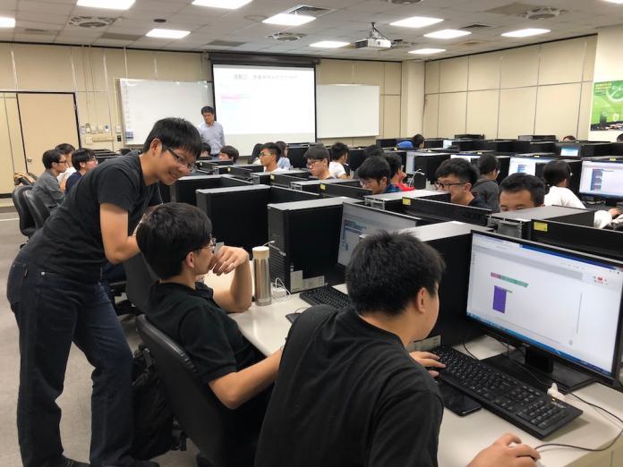 台師大AI課程夯 鼓勵文科生要有科技腦