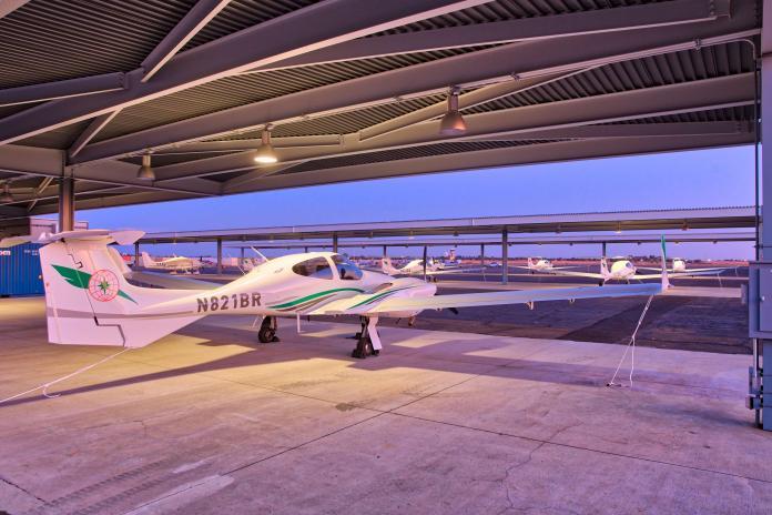 長榮航空飛行學院在台<b>招生</b> 年收50名自費學員