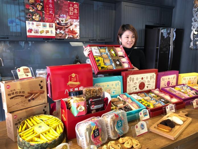 春節送禮商機眾家搶     平價糕餅、咖啡禮盒成主流