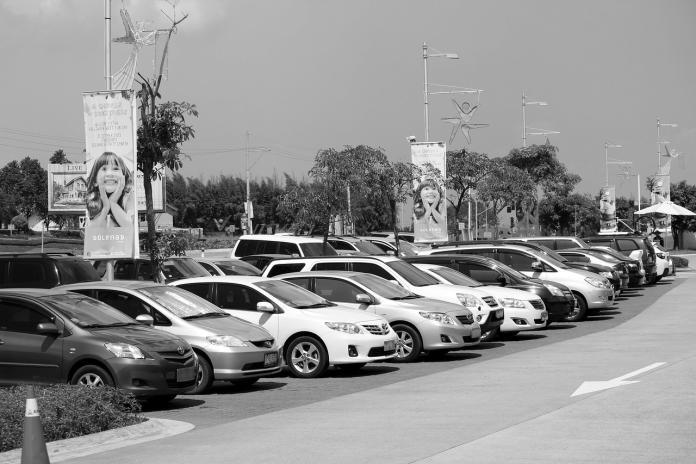 ▲車子在台北以外的地方都是必要,有一個車位還是比較方便。(示意圖/翻攝自 Pixabay )
