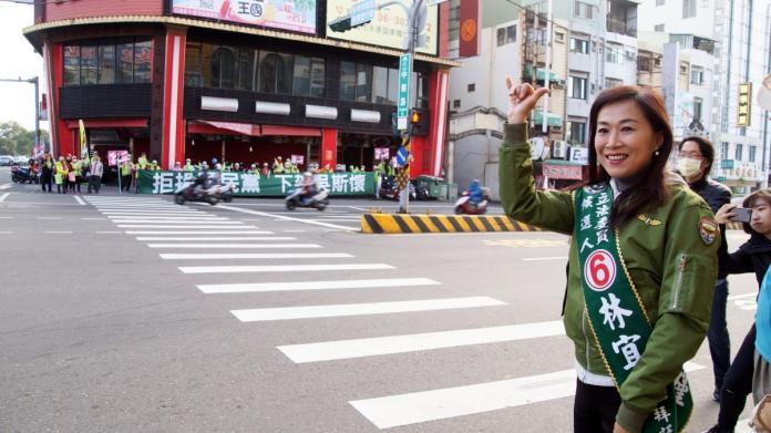 <br> ▲選戰倒數九天,林宜瑾把握每一秒爭取民眾支持 。(圖/公關照片)