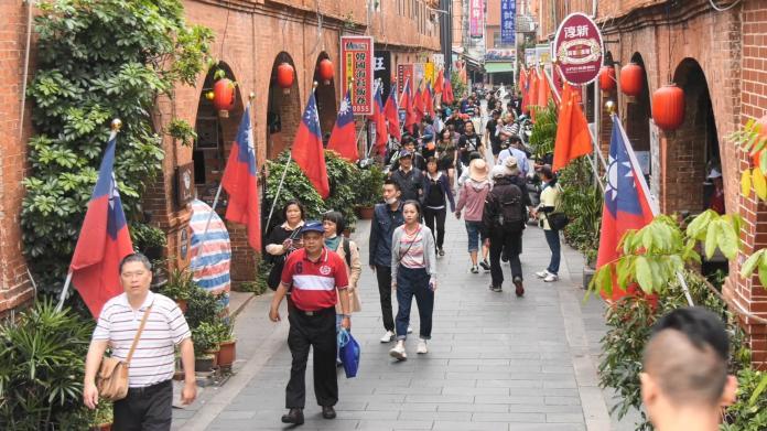 金門模範街一邊一國旗幟