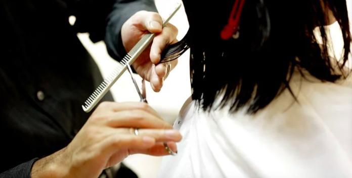 洗頭髮250超便宜?行家揭髮廊「暗黑手法」:一堆人不知