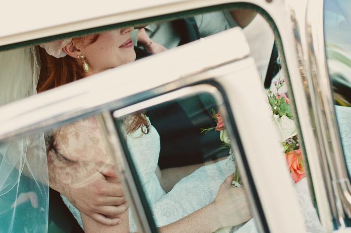 ▲馬來西亞一名新娘搭乘超狂禮車進場。(示意圖,非當事人/取自 Unsplash )