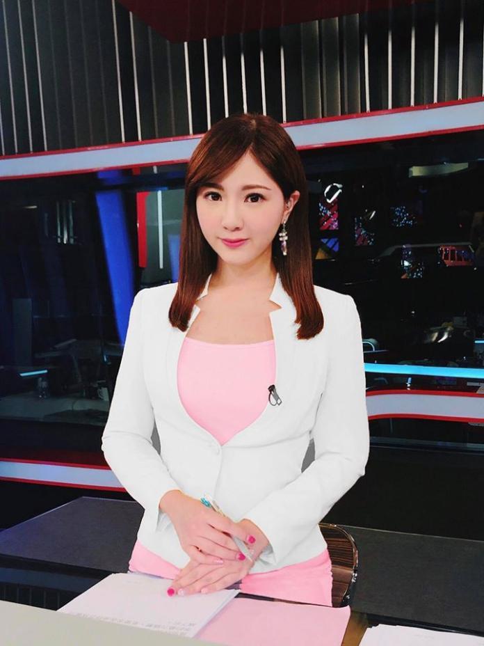 ▲壹電視主播虞承璇是前國防部發言人虞思祖的掌上明珠。(圖/臉書)