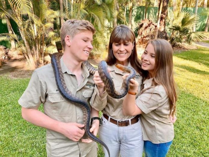 澳洲鱷魚先生家族救治無數火災傷病動物 網讚:野生動物永遠的依靠!