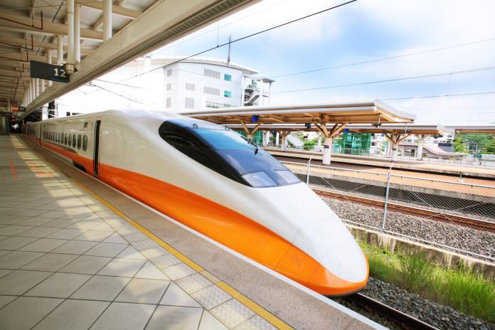 ▲搭高鐵最討厭遇到哪種乘客?鄉民狂列細項。(圖/翻攝自台灣高鐵臉書)