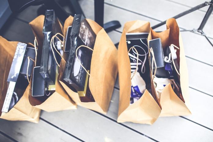 shoe-structure-gift-shop-brown-market-722676-pxhere.com