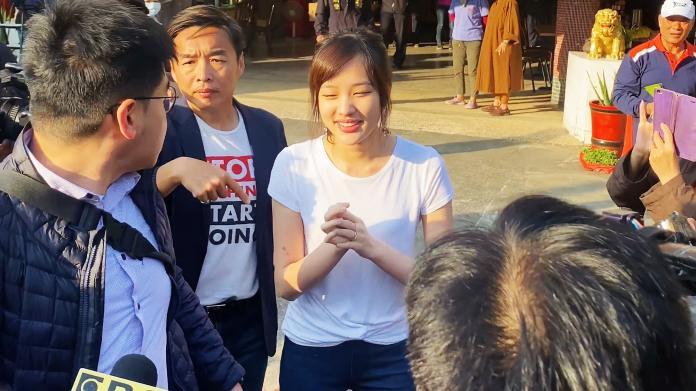 影/韓國瑜、韓冰前往投開票所投票