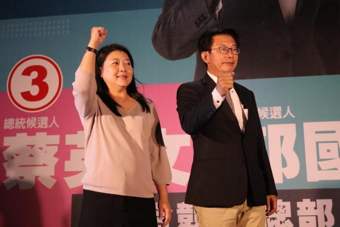 郭國文以12萬高票勝選連任
