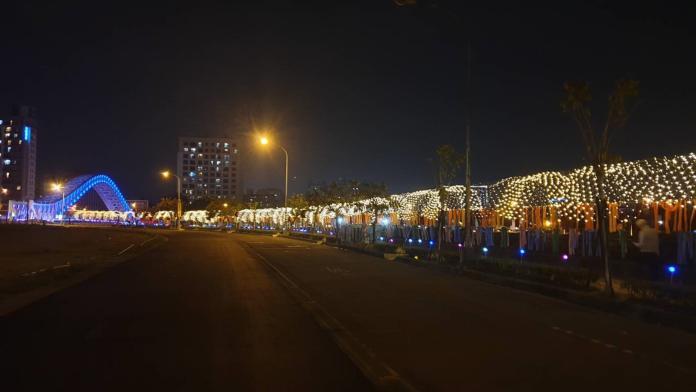 約會新景點 台中海天橋絕美星空隧道如同偶像劇場景
