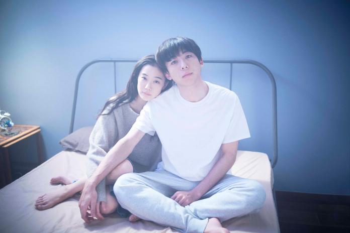 【愛情人形】劇照-高橋一生(右)形容本片可說是一段高深的「婚姻故事」
