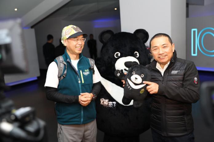 挺臺灣首部生態電影「黑熊來了」  侯友宜包場請志工看