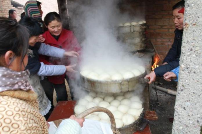 ▲蒸包子饅頭是許多華人家庭的傳統。(圖/翻攝自網路)