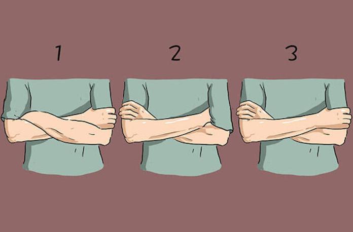 超神準!手臂自然交叉「3種方式」 一秒看穿你的性格