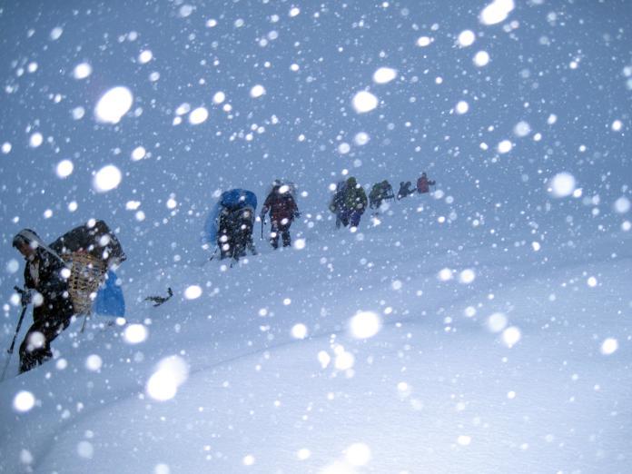 <b>喜馬拉雅山</b>驚現雪崩!傳台人、南韓人疑失蹤