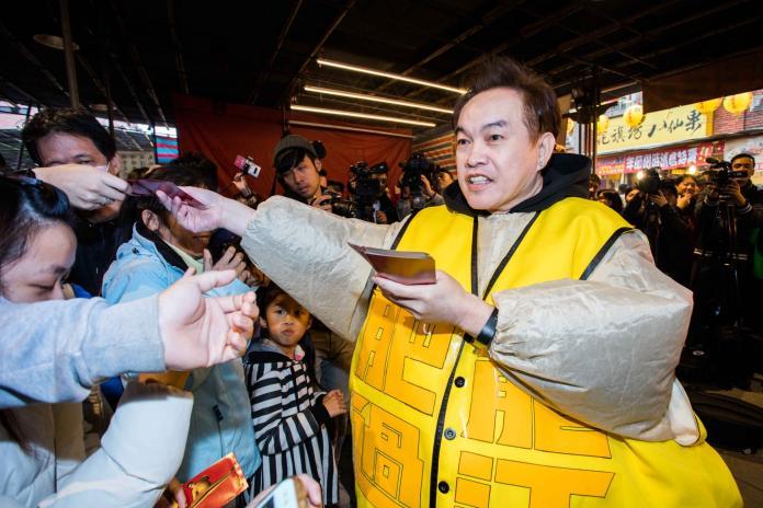 ▲康康變肥150公斤為電影宣傳。(圖/華映)
