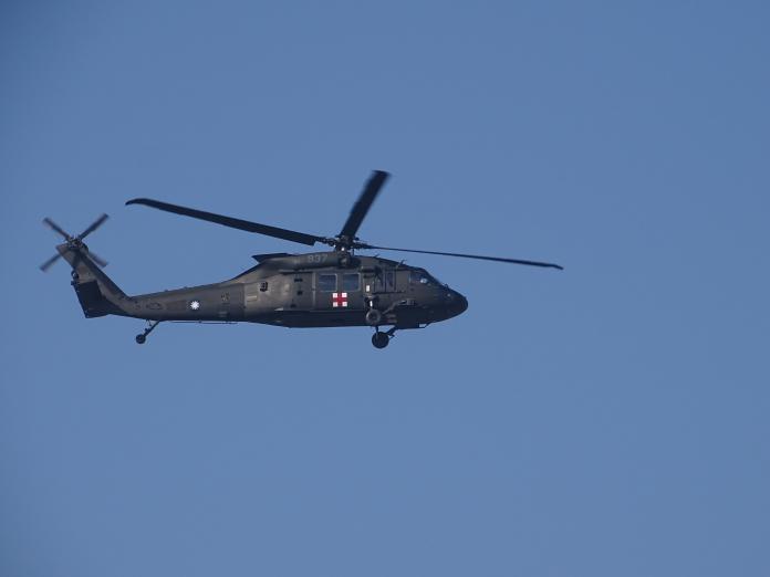 黑鷹失事後強化飛安 救護隊專機任務將採「雙正駕駛」