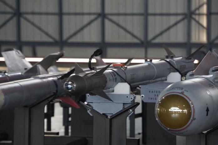 軍武/最強短程空對空飛彈AIM-9X 強化F-16V纏鬥能力