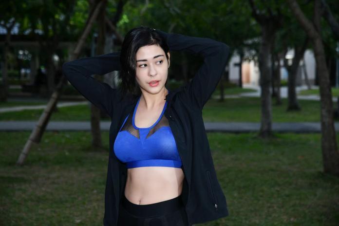 混血女星17歲入行曾遭霸凌 挑戰台灣百岳舒壓險喪命