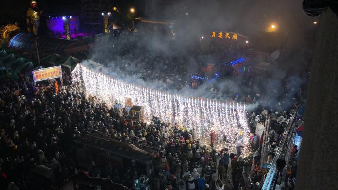 鹽水蜂炮喊取消!8000網狂讚黃偉哲 台南人卻火大開戰了
