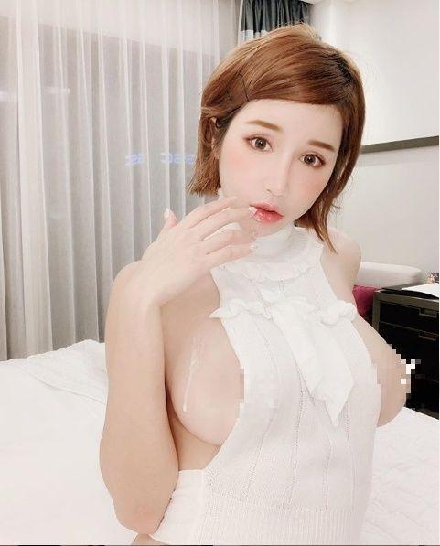 ▲辛尤里讓人眼睛大吃冰淇淋(圖/翻攝IG)