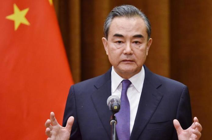 ▲中國外交部長王毅,8月18日與摩洛哥外交大臣通電話時表示,中國研製的COVID-19疫苗完成、投入使用後將作為「全球公共產品」。(圖/翻攝自網路)