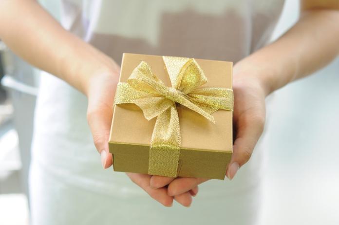 過年最想收到哪種禮盒?全場答案一面倒:老人小孩都適合