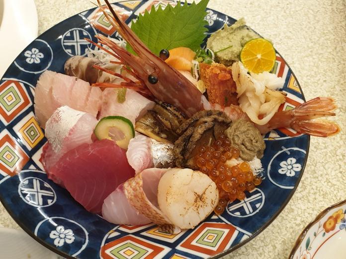 羽笠「華麗滿盛丼」豪邁澎派   一碗打盡海中美味