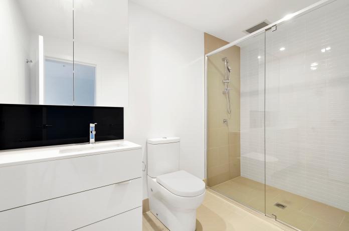 ▲大掃除浴室別忘了隱身天花板裡頭的「換氣扇」!(示意圖/取自 Unsplash )