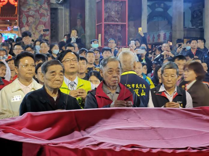 <br> ▲彰化南瑤宮搶頭香已有10年歷史,去年廟方甚至將香爐包裹厚棉被。(圖/記者陳雅芳攝,2020.01.25)
