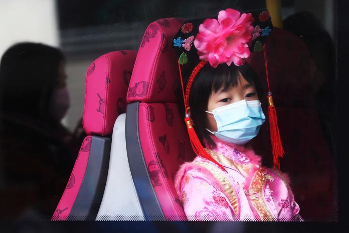 ▲武漢肺炎疫情失控,中國確診人數激增。(圖/美聯社/達志影像)