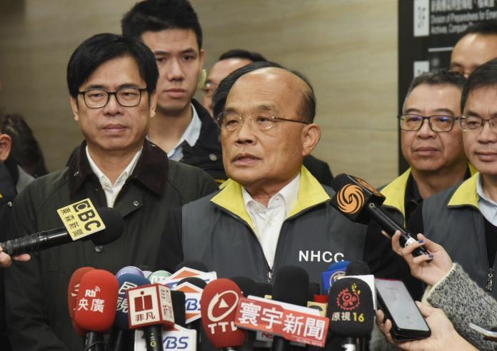 行政院長蘇貞昌29日在中央流行疫情指揮中心受訪。(圖 / 記者陳明安攝)