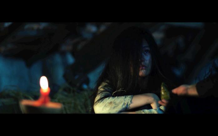 《鬼魅之家》女主角遭受恐怖待遇