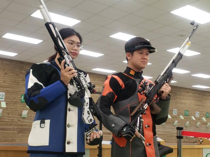 ▲混雙10公尺空氣步槍選手林穎欣(左)、呂紹全首次參加奧運,其中林穎欣有望拿下中華隊在東京奧運的首面獎牌。(圖/黃建霖攝)