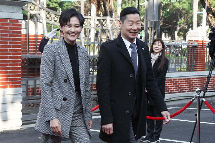▲新科民進黨立委賴品妤(左)和無黨籍立委林昶佐(右)