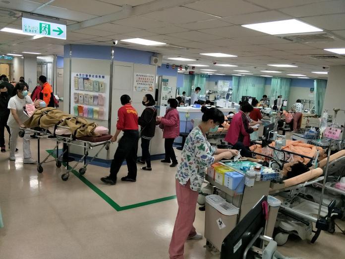 醫護人員限制出國 <b>工會</b>批:不是說聲「辛苦了」就能帶過
