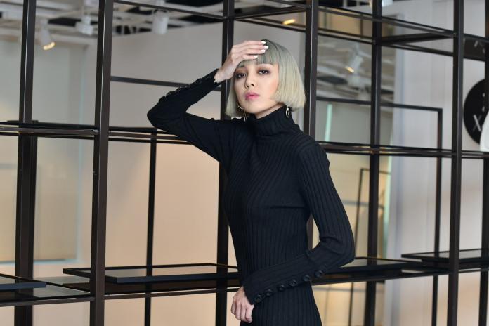 專訪/國際<b>KOL</b>李函偷闖時尚圈 電梯卸妝衣服藏救生梯
